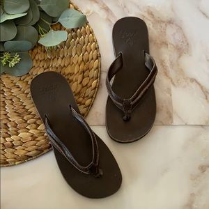 NWOT - Reef brown leather sandals - Size 7